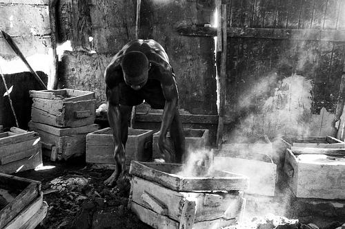 Making of Aluminium Cooking Pots in Cité Soleil, Haiti